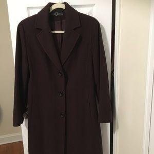 Anne Klein Coat . 100% Wool . Long coat.